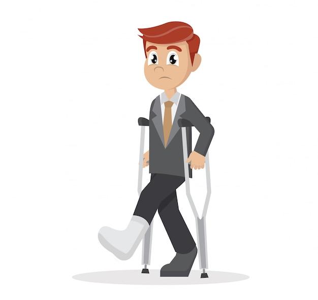 Uomo d'affari con le stampelle e un cerotto sulla gamba. Vettore Premium