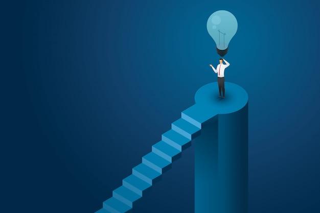 Uomo d'affari nessuna idea in piedi sotto la lampadina spenta e non pensare soluzione creativa. illustrazione isometrica piatta Vettore Premium