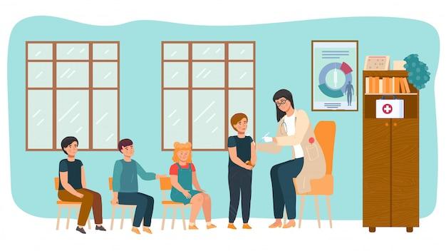 Vaccinazione infantile, medico fa l'iniezione di vaccino ai bambini nella scuola materna, illustrazione paziente del fumetto di sanità di bambini. Vettore Premium