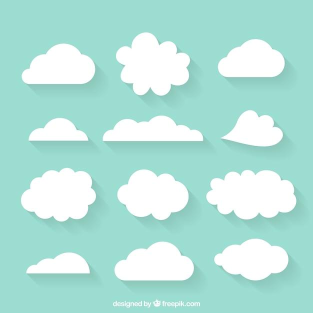 Varietà di nuvole disegnate a mano Vettore gratuito