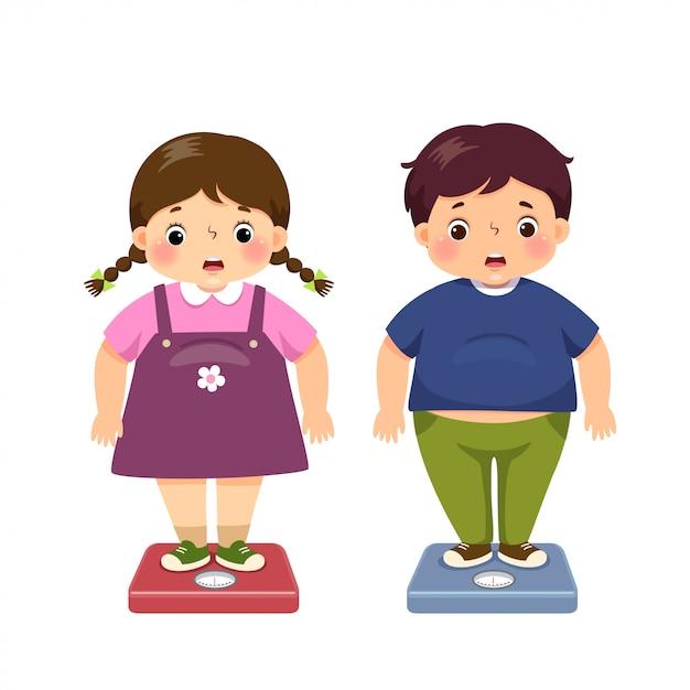 Vector il ragazzo grasso e la ragazza grassi del fumetto sveglio dell'illustrazione che controllano il loro peso sulle scale. Vettore Premium