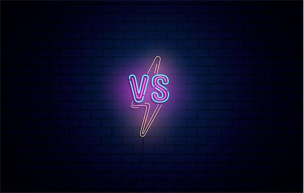 Versus insegne al neon set di logo versus, simbolo in stile neon. modello, pubblicità notturna. battaglia vs partita, concetto di gioco competitivo vs Vettore Premium