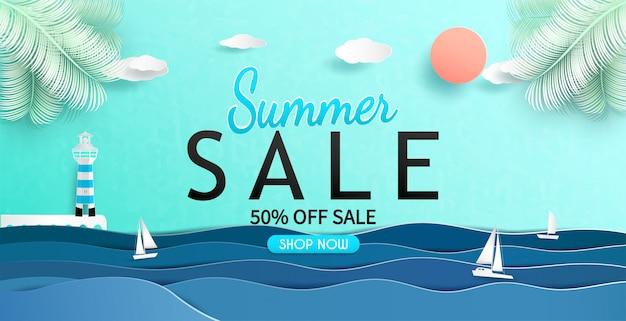 Vista mare e design banner vendita estate con carta tagliata. Vettore Premium