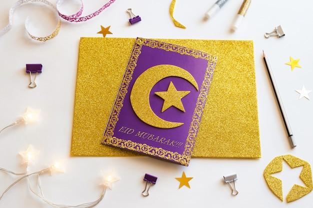 6 diy ramadan kareem-kaart met gouden halve maan en een ster. Premium Foto