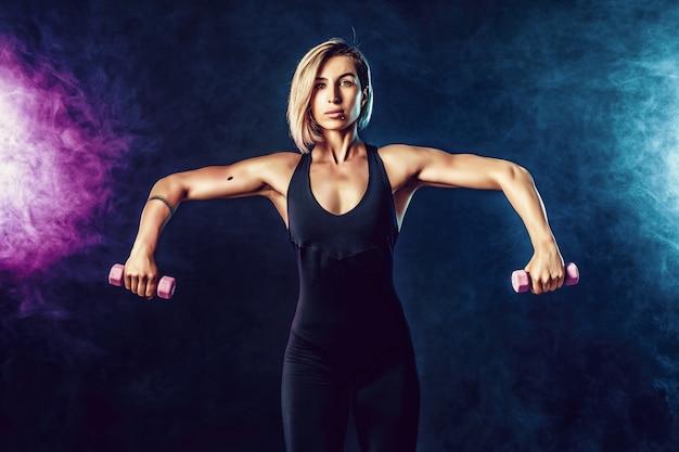 Ik ben een blonde sportieve vrouw