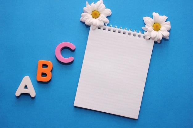 Abc - de eerste letters van het engelse alfabet Premium Foto