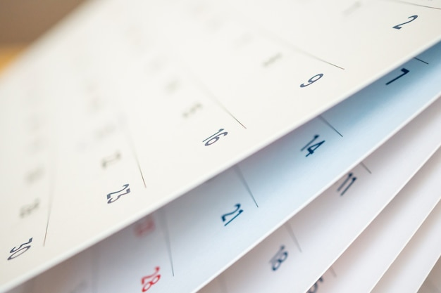 Abstract vervagen kalenderpagina blad dichtknippen Premium Foto