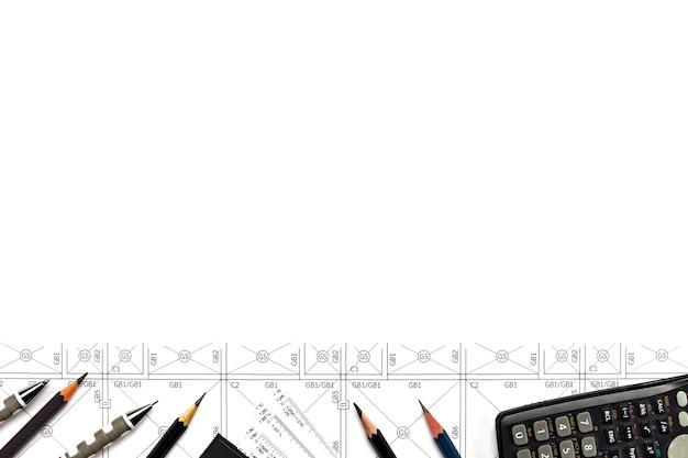 Abstracte technische tekeningen achtergrond met blanco voor uw woord. bouwplanhulpmiddelen met lege ruimte op bureau. Premium Foto