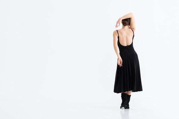 Achteraanzicht jonge danser met kopie ruimte Gratis Foto