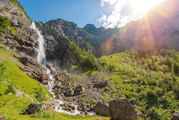 Adelboden watervallen landschap Gratis Foto