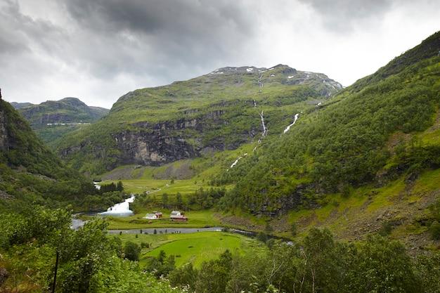 Adembenemend landschap in noorwegen Premium Foto