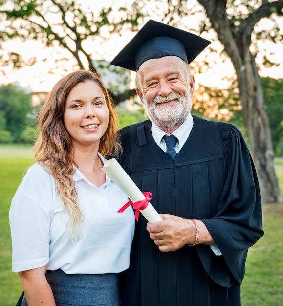 Afstuderen viering succes certificaat college concept Premium Foto