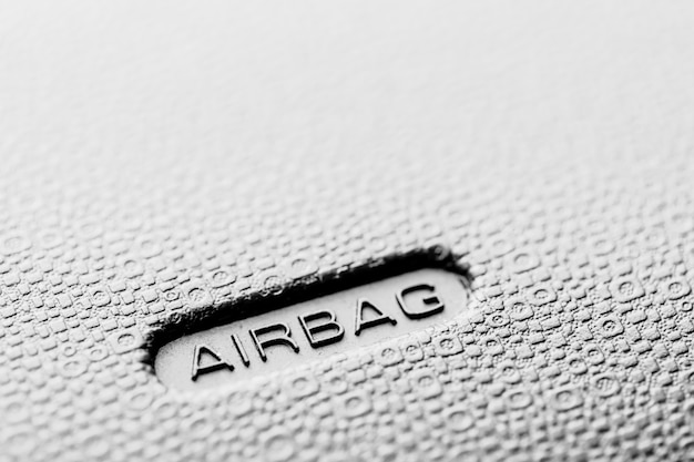 Airbagteken van veiligheid in moderne auto Premium Foto