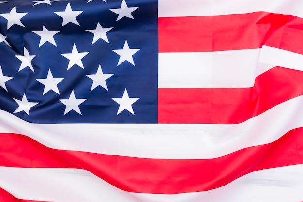 Amerikaanse vlag op wind Gratis Foto