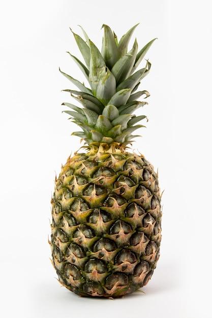 Ananas sappige zacht geïsoleerd op wit Gratis Foto