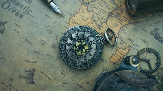 Antieke horloge hanger Premium Foto