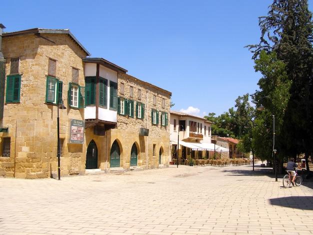 Architectuur van buyuk han in lefkosa, cyprus Premium Foto