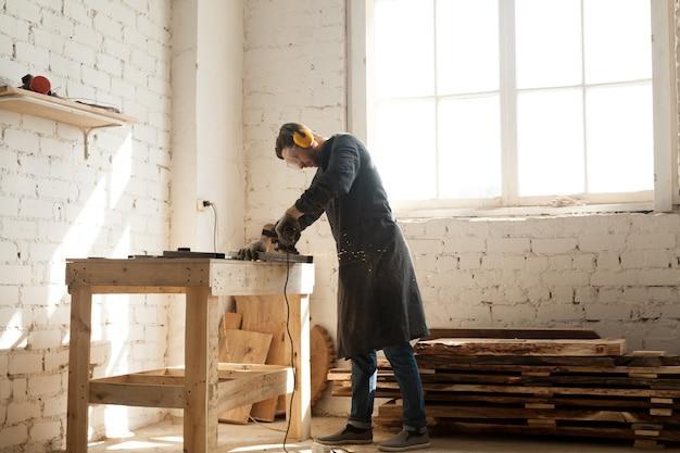 Artisanale zakelijke kans in houtwerk workshop Gratis Foto