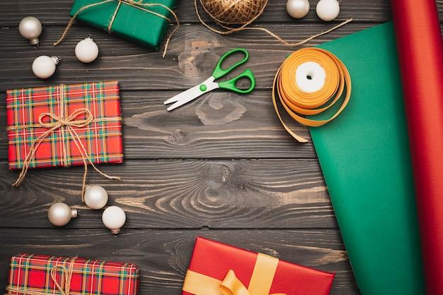 Assortiment geschenken en kerstartikelen Gratis Foto
