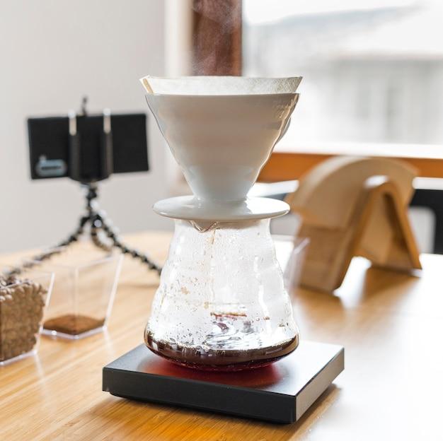 Assortiment met koffiezetapparaat Gratis Foto
