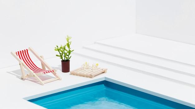 Assortiment miniatuur zwembadstillevens Premium Foto