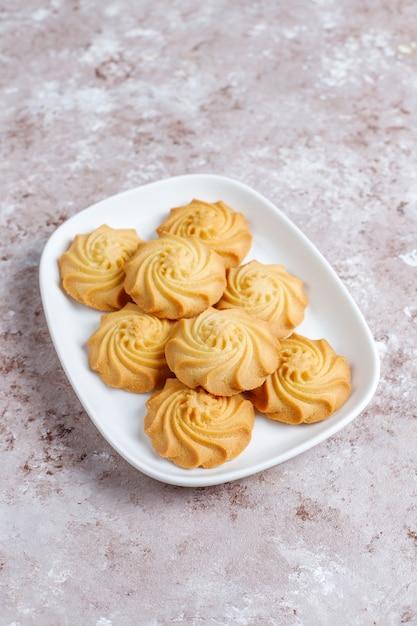 Assortiment van heerlijke verse koekjes. Gratis Foto