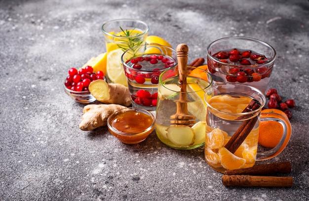 Assortiment winter gezonde thee voor immuniteitsverhoging Premium Foto