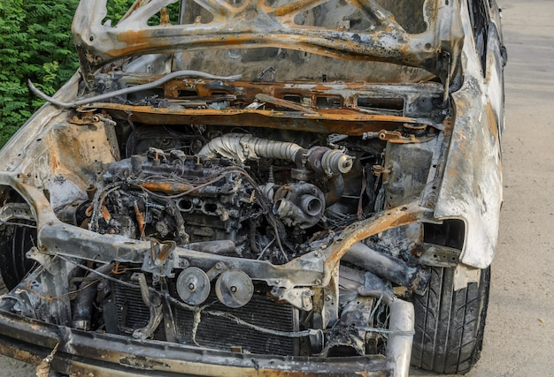 Auto doorgebrand na brand Premium Foto