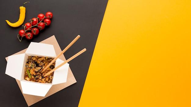 Aziatisch fastfood met kopie ruimte Gratis Foto