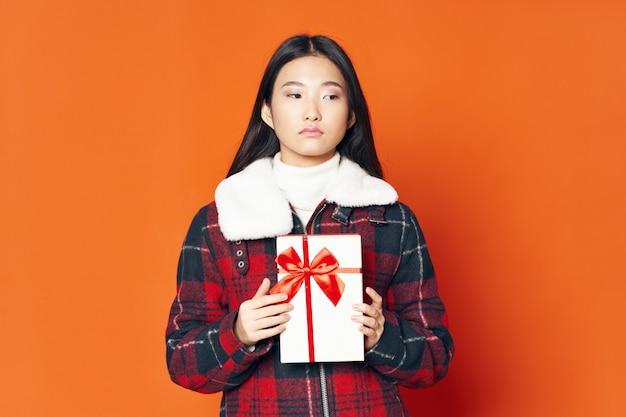 Aziatisch vrouwen stellend model Premium Foto
