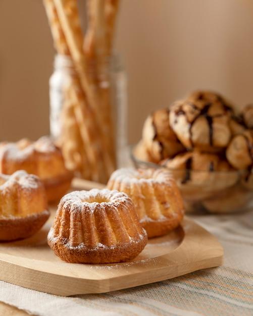 Bakkerijproducten voor het ontbijt Premium Foto