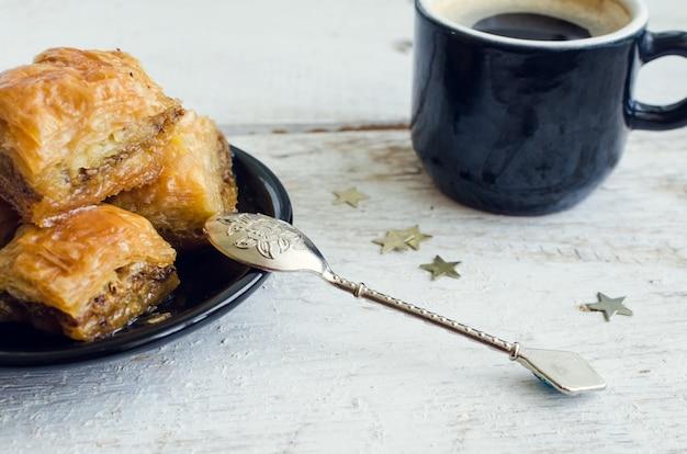 Baklava met pistache Premium Foto