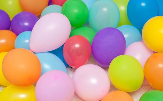Ballonnen achtergrond voor verjaardag Premium Foto