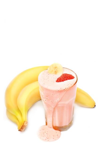 Banaan aardbeienmelk smoothie Premium Foto