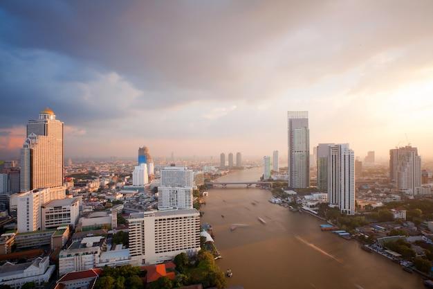 Bangkok skyline zonsondergang Premium Foto