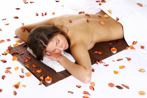 Beautyfulmeisje met handdoek Gratis Foto