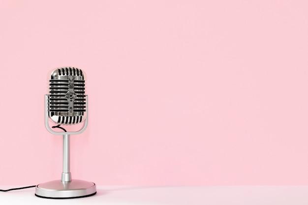 Bedrade microfoon met kopie-ruimte Premium Foto