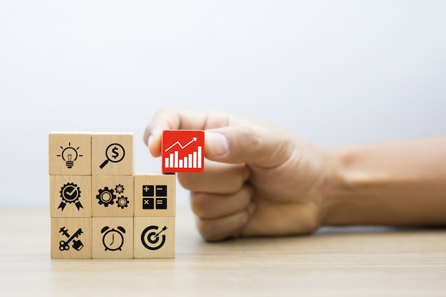 Bedrijfsconcept voor groeisuccesproces. Premium Foto