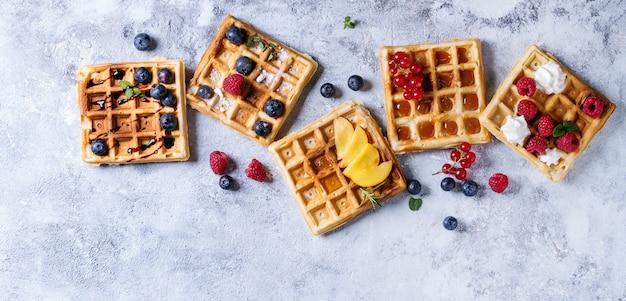 Belgische wafels met bessen Premium Foto