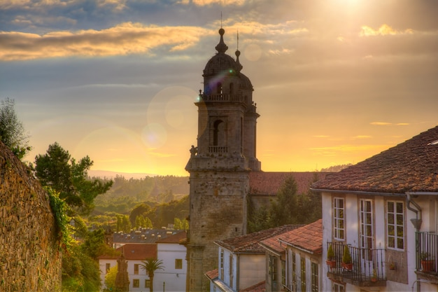 Belltowers van het klooster van st. franciscus, santiago Premium Foto
