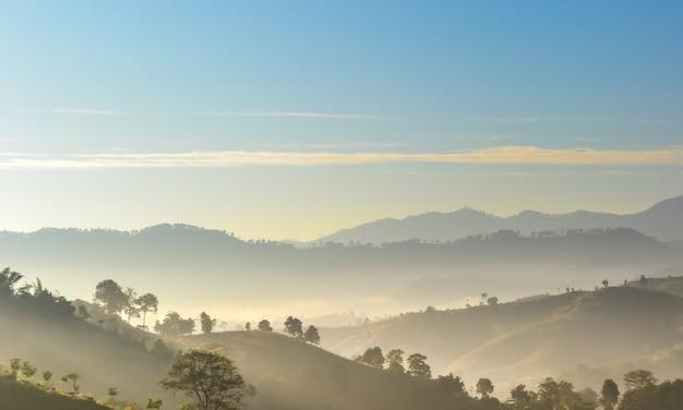 Berg en wolken Premium Foto