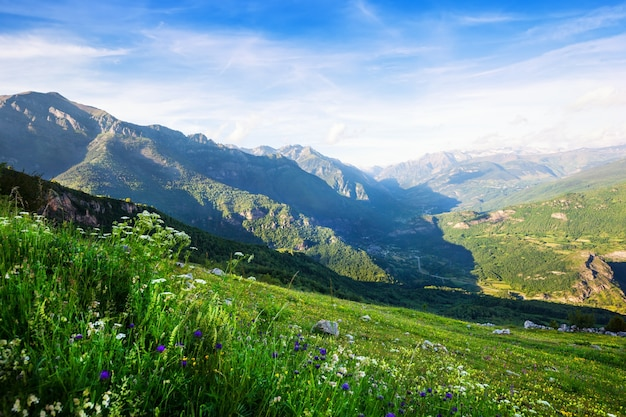 Bergen van de pyreneeën landschap. huesca Gratis Foto