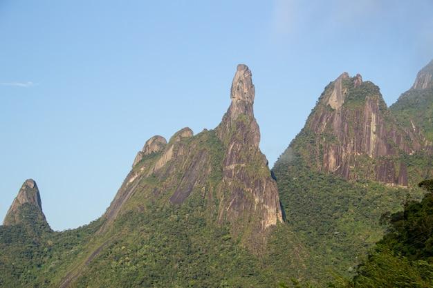 Bergen van teresopolis, vinger van onze dame, vinger van god en vissenkop. Premium Foto