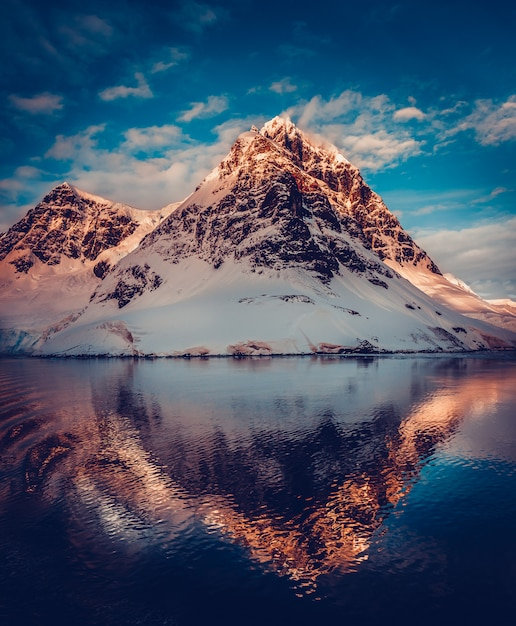 Berglandschap in antarctica Premium Foto