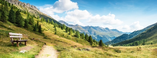 Bergpanorama van de dolomieten Premium Foto