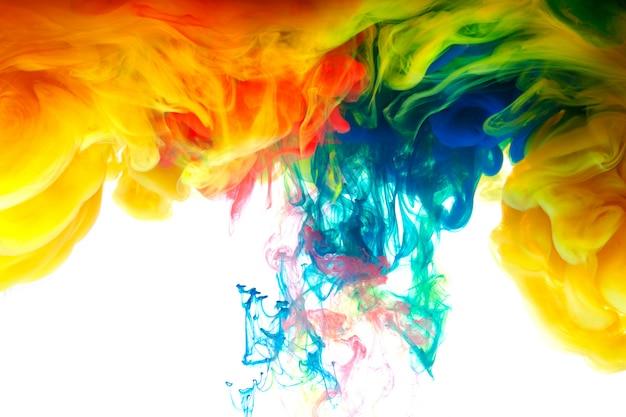 Beweging kleurdaling in water Premium Foto