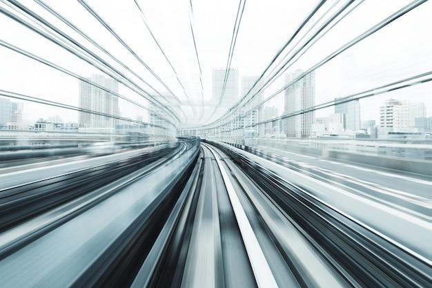 Bewegingsonscherpte van de trein Premium Foto