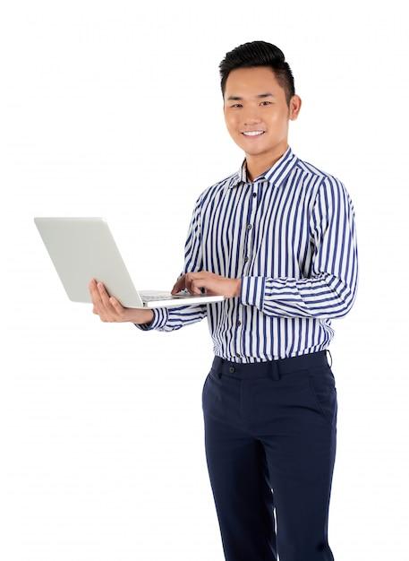Bezig met laptop Gratis Foto