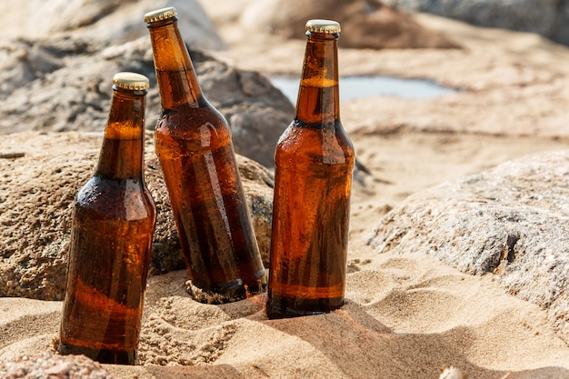 Bier op het strand Premium Foto