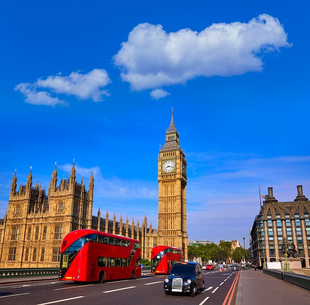 Big ben clock tower en london bus Premium Foto